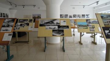 """Виставка """"Надбудова"""" — панорама"""