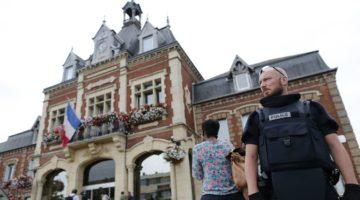 Церква Сен-Етьєн-де-Рувре в Нормандії після теракту