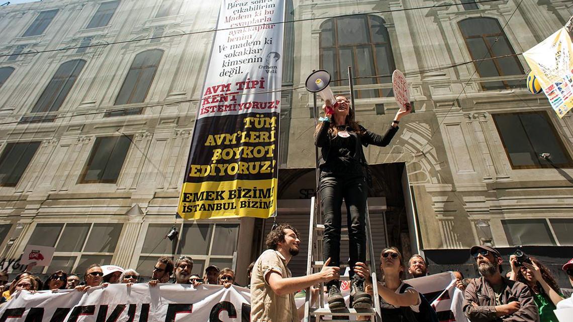 Протест за збереження кінотеатру «Емек» у Стамбулі