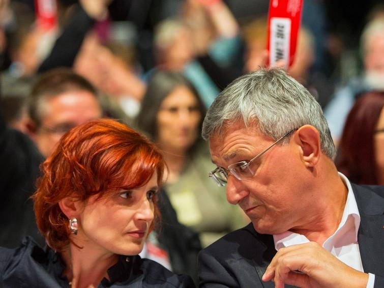 Катя Кіппінг і Бернд Ріксінгер — вже 5 рік тандем співголів партії «Лівиця». Представляючи соціальні рухи (Кіппінг) та профспілки (Ріксінгер), східнонімецьких (Кіппінг) та західнонімецьких (Ріксінгер) лівих, із належною їм дипломатичністю вони досить непогано залагоджують конфлікти в партії і вже вдруге поспіль добиваються свого переобрання на цей пост.