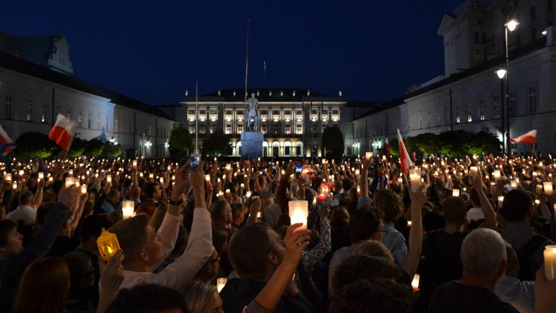 Протест під Президентським палацом 18 липня. Фото: Катерина Семчук