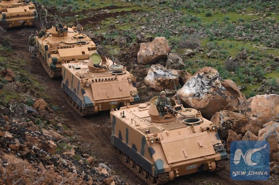 Турецкая бронетехника входит в Африн.